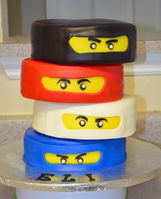 Lego Cake Ideas - 14 photos to inspire you for a Lego birthday cake, Lego wedding cake or any Lego party. Lego Ninjago Cake, Ninjago Party, Superhero Cake, Deco Cupcake, Cupcake Cakes, Ninja Birthday Parties, Birthday Fun, Ninja Birthday Cake, Birthday Cakes