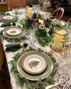 15 Simple & Elegant Christmas Table Setting Ideas