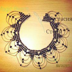Ожерелье-воротник в готическом стиле.