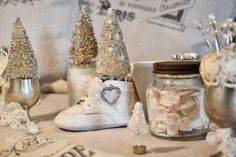 Mammabellarte white baby shoe glittered, mini Christmas tree with silver glitter and white pearls