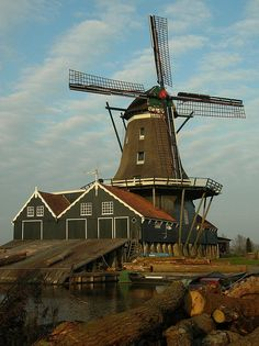 by dfriasruiz on Flickr.  Windmill De Rat in IJlst, Friesland, The Netherlands.