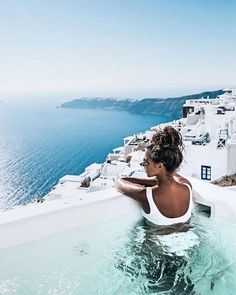 Santorini Greece, Europe, Endless Blue, Summer Vacation, Best place to travel with your partner. Oh The Places You'll Go, Places To Travel, Travel Destinations, Travel Pictures, Travel Photos, Photos Voyages, Travel Aesthetic, Best Hotels, Amazing Hotels