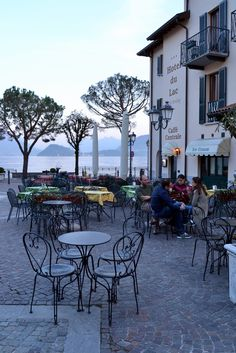 Menaggio, Lago di Como, Italy I know I can find a hansome HIPMUNK sipping on an expresso giving me the eye lol. Places Around The World, Oh The Places You'll Go, Places To Travel, Places To Visit, Around The Worlds, Lac Como, Wonderful Places, Beautiful Places, Comer See