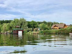 40 de destinații pentru weekend aproape de București Cabin, House Styles, Home Decor, Park, Decoration Home, Room Decor, Cabins, Cottage, Home Interior Design