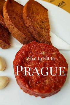 Traveling to the Czech Republic in search of great food? We tell you where and what to eat in Prague and in the Czech Republic.