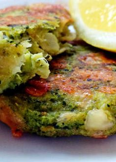 Sajttal sült brokkoli fasírt Vegetarian Recipes, Healthy Recipes, Healthy Food Options, Avocado Toast, Quiche, Paleo, Health Fitness, Low Carb, Food And Drink
