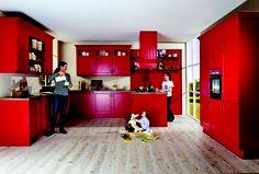 #Landhausküche mal anders - in feurigem Rot von #Nobilia