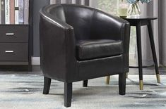 You acknowledged the fact that leather club chairs are really comfortable. These offer an excellent level of relaxation even when your body is highly tired. Brown Leather Chairs, Leather Club Chairs, Modern Recliner, Leather Recliner Chair, Types Of Rooms, Seat Cushions, Accent Chairs, Upholstery, Room Decor