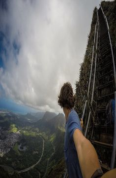 Guide: Haiku Stairs – Stairway to Heaven, Hawaii Stairway To Heaven, Backpacker, Haiku, Stairways, Hawaii, Mountains, Pictures, Travel, Instagram