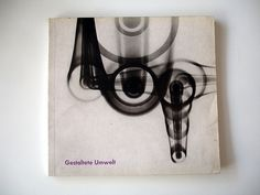 Gestaltete Umwelt - 1960  Catalogue designed by the E5 design group (led by Otl Aicher) at the HfG Ulm.