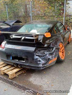 Porsche 911 997 GT3 RS crashed
