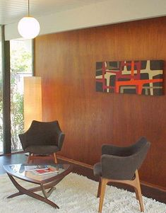 Mahogany paneling is a key interior design element of mid-century modern Eichler homes. Photos & ideas for enhancing or replacing the mahogany / luan paneling in your Eichler. Midcentury Modern, Mid Century Modern Decor, Mid Century Modern Furniture, Mid Century Design, Home Design, House Design Photos, Mid-century Interior, Modern Interior, Eichler Haus