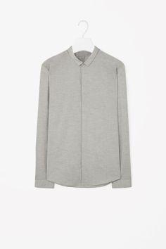 Press stud collar shirt