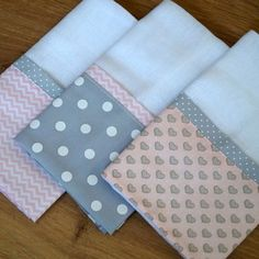45 Ideas For Patchwork Quilt Knitted Pro - Diy Crafts - maallure Draps Design, Dish Towel Crafts, Baby Sheets, Baby Nails, Burp Rags, Baby Sewing Projects, Baby Kit, Patch Quilt, Dog Bed