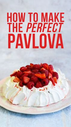 How to make the perfect Pavlova – check out my step-by-step guide, recipe video and troubleshooting tips for great results every time! Meringue Desserts, Köstliche Desserts, Delicious Desserts, Dessert Recipes, Yummy Food, Meringue Food, Meringue Kisses, Meringue Cookies, Plated Desserts
