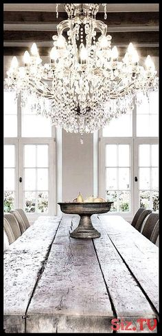 37 Lighting Solution With Rustic Chandelier For Dining Room Ideas - Kronleuchter French Country Living Room, Country Farmhouse Decor, French Country Decorating, Rustic Decor, French Cottage, Wooden Decor, French Farmhouse, Farmhouse Ideas, Farmhouse Chic