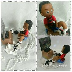 Topo de bolo menino com Game em biscuit/porcelana fria. https://www.elo7.com.br/ateliemarciabiscuit/loja