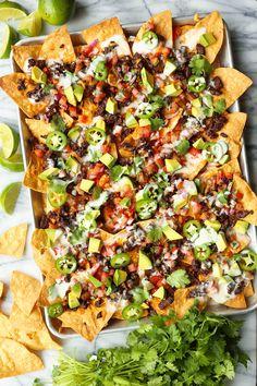 Holiday Appetizers, Appetizer Recipes, Carne Asada Nachos Recipe, Cheddar, Queso Fresco, Mexican Food Recipes, Nacho Recipes, Chili Recipes, Recipes