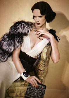 roaring 20s..love that hair too!!