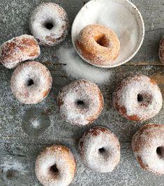 Parhaat munkit | Makea leivonta | Soppa365 Doughnut, Donuts, Sweets, Bread, Desserts, Food, Frost Donuts, Tailgate Desserts, Deserts