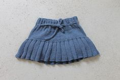 Knit baby bloomers with skirts Hand knit Baby Girl clothes Baby Photo Prop Baby Shower gift Baby blo Baby Bloomers, Baby Girl Romper, Baby Shower Gifts, Baby Gifts, Knitted Baby Clothes, Star Girl, Dark Jeans, Girls Rompers, Baby Photos