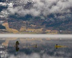 Tre små øyer i Hornindalsvatnet | Martin Ystenes