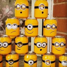 74 Minions Kids Party Decorating Tips - Reduce, Reuse, Recycle - Planejamento de Eventos Bottle Art, Bottle Crafts, Spongebob Birthday Party, Despicable Me Party, 2nd Birthday, Minion Craft, Activities For Kids, Crafts For Kids, Minion Theme