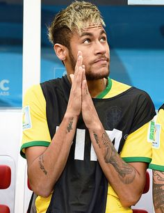 JULY An injured Neymar of Brazil looks on from the bench during the 2014 FIFA World Cup Brazil Third Place Playoff match between Brazil and the Netherlands at Estadio Nacional on July 2014 in Brasilia, Brazil Messi And Neymar, Lionel Messi, Good Soccer Players, Football Players, Association Football, Soccer World, Best Player, Fifa World Cup, Fc Barcelona