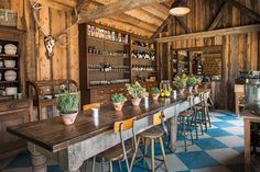Have you heard of the latest Soho House triumph? Here's our top 6 reasons for loving Soho Farmhouse and why we simply melted when we saw those interiors. Farm Cafe, Farm Shop, Soho House Hotel, Miami Beach House, Bar A Vin, Restaurants, Country Furniture, Country Estate, Campinas