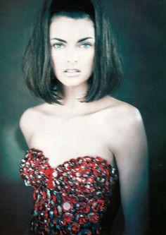 Linda Evangelista by Paolo Roversi - april 1990 Vogue