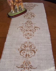 Stencil Fabric, Stencils, Burlap Table Runners, Tapestry Design, Creative Crafts, Table Linens, Damask, House Warming, Hand Painted