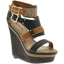 Perfect tribal and black wedge