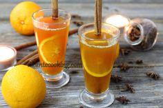 Przepis na niezwykle aromatyczny grog z pomarańczą, cynamonem, anyżem i czarną herbatą earl grey, która jest użyta jako baza dla grzańca.