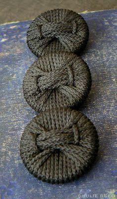 Braid Button ~ antique, no instruction