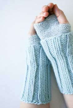 cuffed hand warmers - pattern by the purl bee