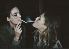 Night Aesthetic, Aesthetic Grunge, Women Smoking, Girl Smoking, Grunge Party, Grunge Couple, Cigarette Aesthetic, Relationship Images, Weed Girls