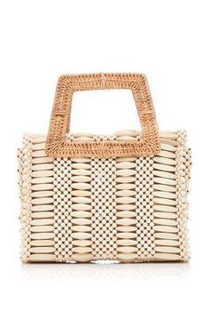 Wood and Wicker Handbag by Aranaz Resort 2019 Beaded Purses, Beaded Bags, Luxury Handbags, Purses And Handbags, Embroidery Bags, Diy Handbag, Zara Bags, Summer Bags, Knitted Bags