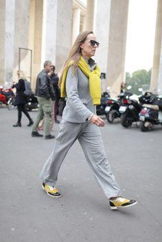 They Are Wearing: Paris Fashion Week - Slideshow All Fashion, Work Fashion, Paris Fashion, Fashion News, Womens Fashion, Street Fashion, Pantone, Grey Yellow, Gray