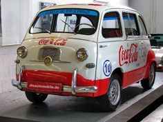 Coca-Cola Fiat OMG I want so bad it is awesome! Coca Cola Ad, Always Coca Cola, World Of Coca Cola, Pepsi, Best Soda, Cocoa Cola, Automobile, Vintage Coke, Vintage Signs