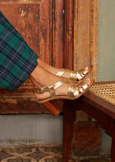 Tan Heels, Leather Heels, Suede Leather, High Sandals, Gold Sandals, Fashion Days, Fashion Shoes, Fashion Accessories, Beauty Cream