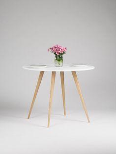 Tour de table blanche, table à manger ronde, table de cuisine, table de cuisine ronde, table en chêne, design scandinave, pieds en bois massif, quatre pattes