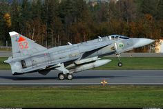 Saab JA37DI Viggen aircraft picture