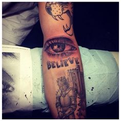The complete guide to Justin Bieber's 20 tattoos ❤ liked on Polyvore featuring tattoos and justin