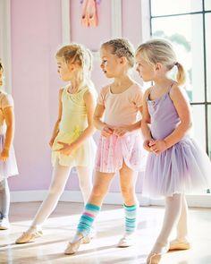 いいね!164件、コメント4件 ― Tutu Schoolさん(@tutuschool)のInstagramアカウント: 「 Pointe your toes, ready to go... #tutuschool #perfectpastels」