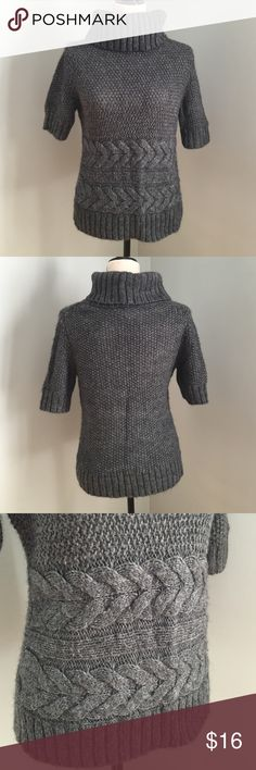 Ann Taylor LOFT sweater • Cosy dark grey sweater • Turtle neck • Pleaded pattern in waist area • Elbow length sleeves • Bust 35 • Length 23 • Sleeve length 10.5 • 73% Arrylic 15% Alpaca 12% Wool • Great condition ✅Bundle discount available ✅ Questions are welcome 🚫 Trade Thank You 💖 LOFT Sweaters Cowl & Turtlenecks