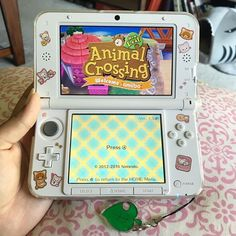 Tulip_Tama ACNL will always be a favorite cozy game of mine. Tulip_Tama ACNL will always be a favorite cozy game of mine. Does anyone here own the prima game gu Nintendo Ds, Ds Games, Games To Play, Kawaii Games, Videogames, Nintendo Switch Case, Game Room Kids, Nintendo Switch Accessories, Otaku Room