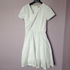 White cotton knee length dress Lined, thick/well made, back zip, worn once and from a pet & smoke free home. shabby apple Dresses Midi