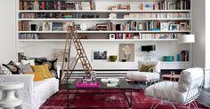 Foto double g  via Designattractor  Hittade precis den här underbara Paris-lägenheten...Jag har alltid drömt om en inbyggd bokhylla. Ty...