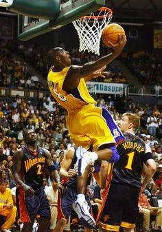 Kobe Bryant Dunk, Kobe Bryant Family, I Love Basketball, Basketball Legends, Derrick Rose, Slam Dunk, Michael Jordan, Lebron James, Kobe Brian
