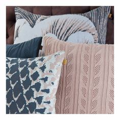 I love this detail and you too ? Find out more in the bio link! Instagram White, Throw Pillows, Interior Design, Detail, Link, Nest Design, Cushions, Home Interior Design, Decorative Pillows